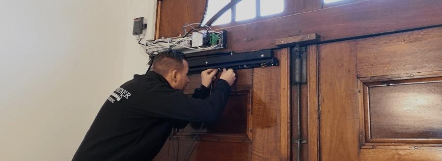 3 ting I skal være opmærksom på når I får installeret dørautomatik