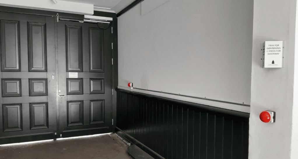 dørautomatik i boligforening